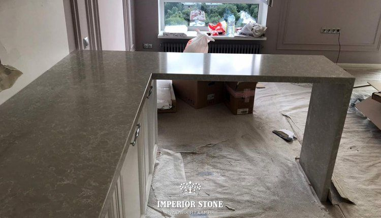 Кухонная столешница из кварца - фото