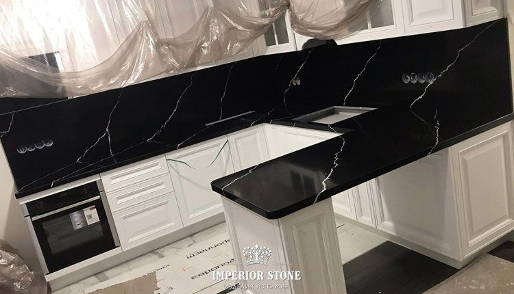 Столешница и фартук из кварца Silestlone Marquina Eternal - фото