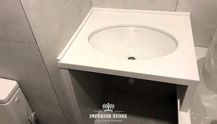 Прямая столешница в ванну TechniStone Noble Supreme White - фото