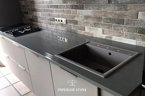 Кварцевая столешница на кухне Samsung Radianz Columbia Gray CG910 - фото
