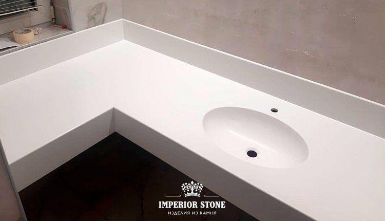 Угловая столешница в ванну из искусственного камня Grandex P-104 Pure White коллекция Pure Color - фото