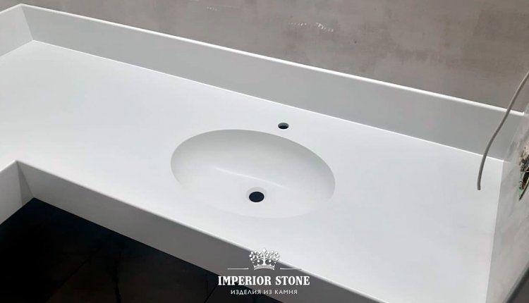 Столешница из искусственного камня в ванну Grandex P-104 Pure White коллекция Pure Color - фото