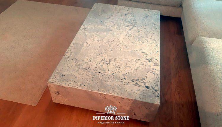 Стол из природного камня - фото