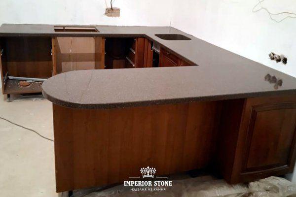 Коричневая столешница из акрила LG Hi-Macs G074 Mocha Granite - фото
