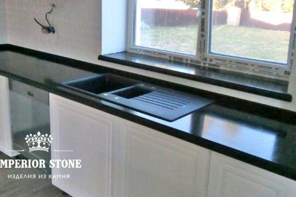 Акриловая г-образная столешница на кухню Samsung Staron QB299 Mosaic Black Bean - фото