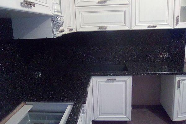 Искусственный акриловый камень Tristone или черная столешница на кухне. Плюсы и минусы. Наш новый монтаж