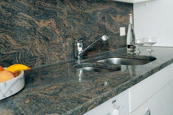 Столешница на кухню из акрилового камня