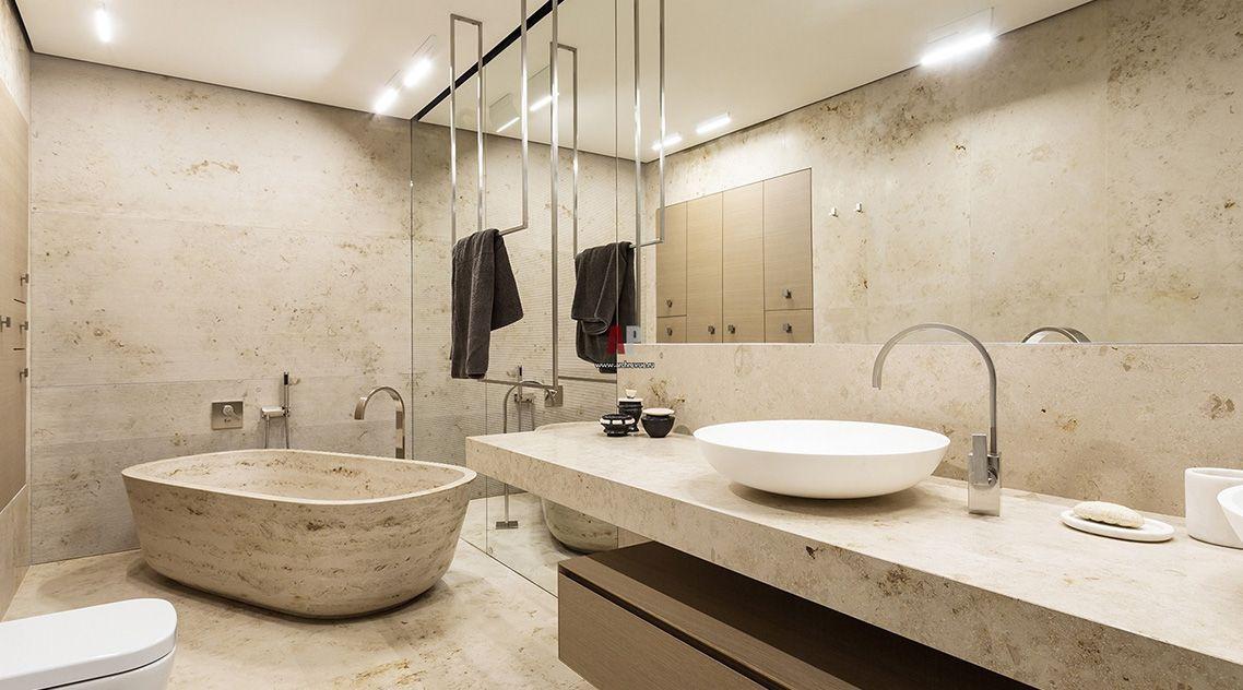 Столешница для ванной из светлого мрамора