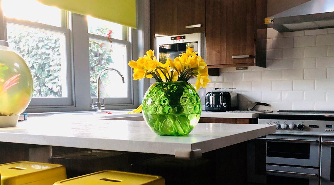 Барная стойка на кухню из искусственного камня
