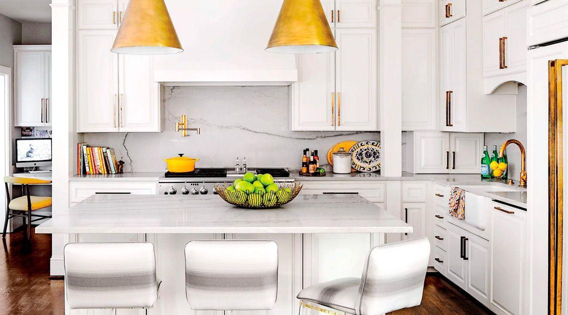 Белая барная стойка на кухню из акрила