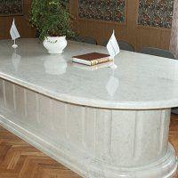Мебель из камня - фото