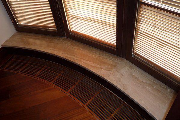 Мраморный подоконник для эркера