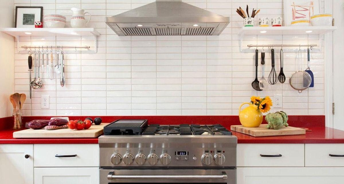 Красная столешница на кухню