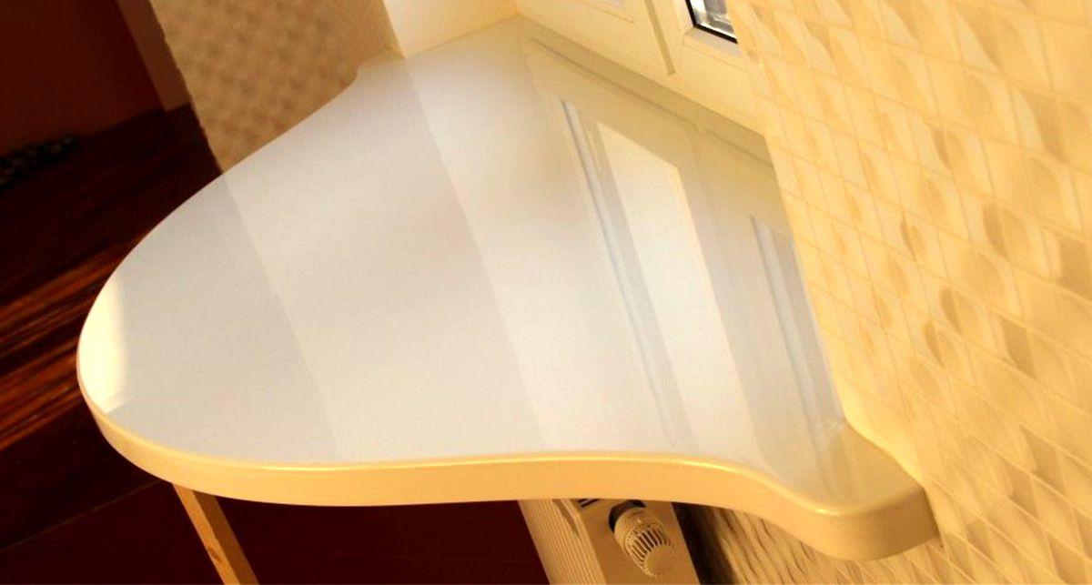 Стол-подоконник из акрилового камня