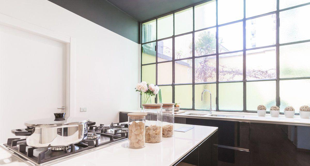 Белая столешница на кухню Dekton Halo collection Solid Xgloss