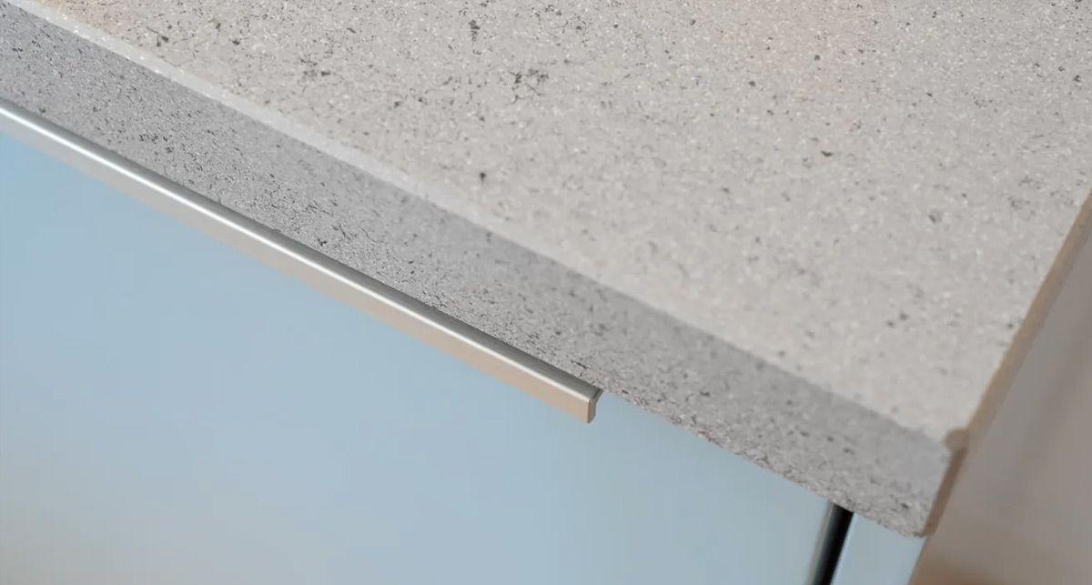 Серая кухонная каменная столешница Dekton Strato collection Tech