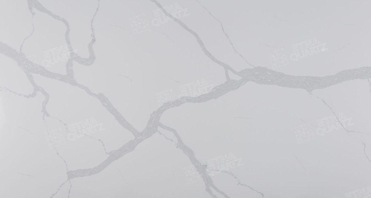 Фактура кварцевого агломерата Etna Quartz Calacatta Santorini EQHM 008