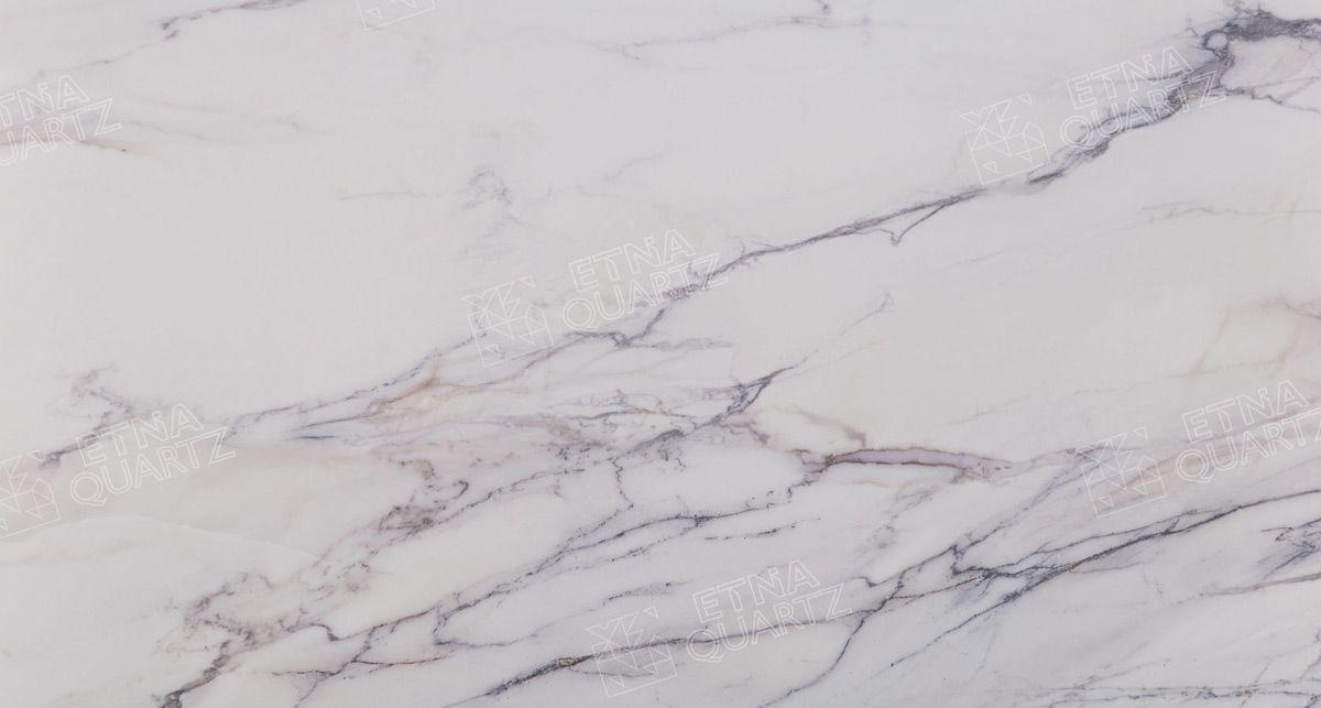 Фактура кварцевого агломерата Etna Quartz Calacatta Borghini EQTM 018